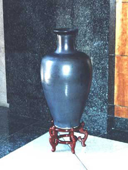 040 gallery, large black glazed stoneware urn 1 200mm tall