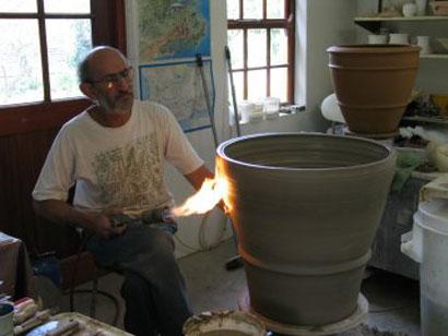 Throwing big Pots 004