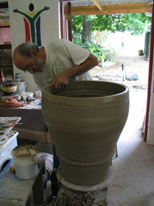 Throwing big Pots 005