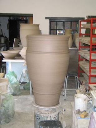 Throwing big Pots 008