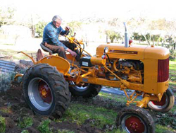 House and Garden manie-plowing