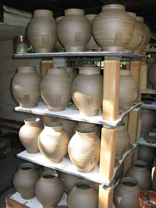 Tea Canisters for Nigiro Tea Merchants Glaze firing completed, pots cooling.